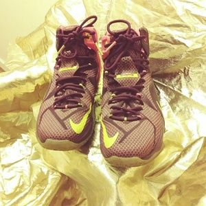 Nike LeBron James 12 (105301151-00888408127839)